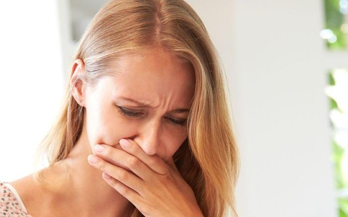 Buồn nôn - tác dụng phụ của việc dùng miếng dán tránh thai