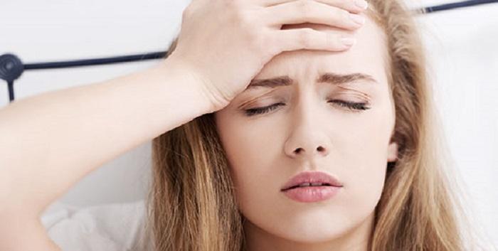 Nhức đầu - Một trong những tác dụng phụ của việc cấy que tránh thai