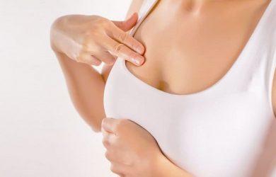 Tuyến sữa hoạt động nên vùng ngực của thai phụ sẽ căng và đau hơn rất nhiều