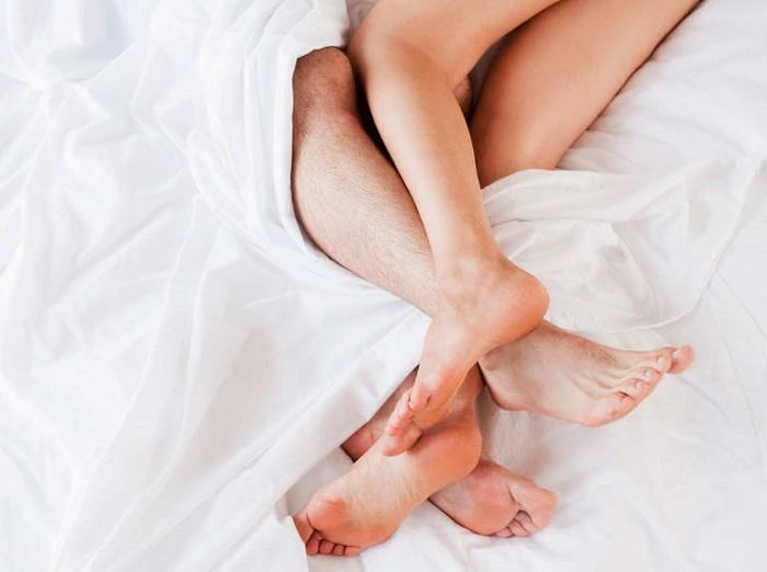Tần suất quan hệ vợ chồng cũng là một yếu tốt quyết định có con sớm hay muộn