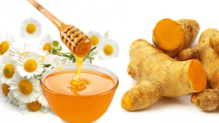 Kết hợp mật ong và nghệ để trị mụn